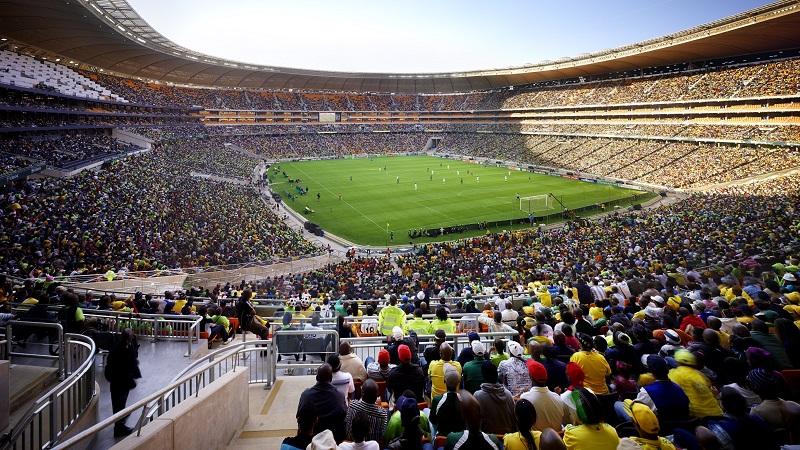 Assistir um jogo no Estádio Soccer City com crianças em Joanesburgo