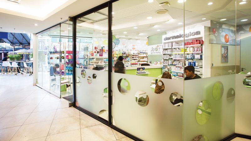 Comprar maquiagens no shopping Cape Quarter na Cidade do Cabo