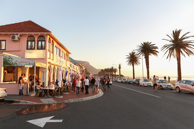 O que fazer à noite na Cidade do Cabo: Camps Bay