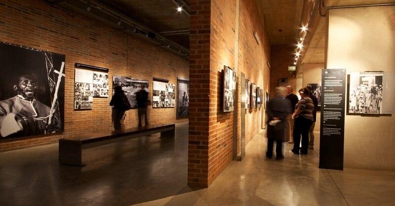 Passeio pelo Museu do Apartheid em Joanesburgo