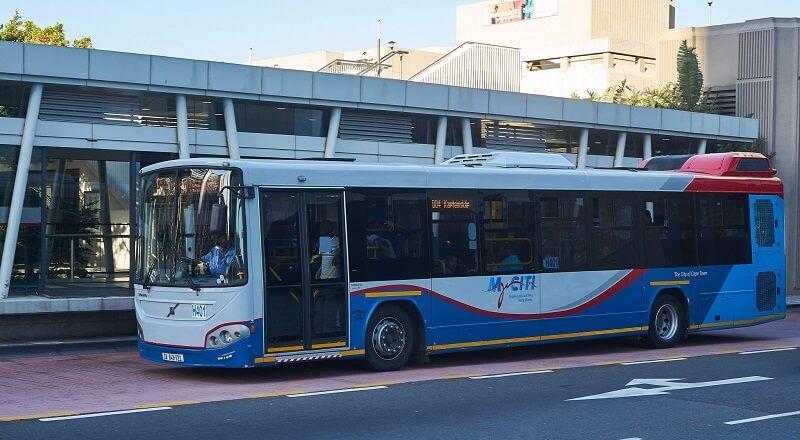 Ônibus no aeroporto da Cidade do Cabo