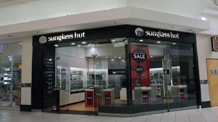 Comprar óculos escuros no Sandton City em Joanesburgo