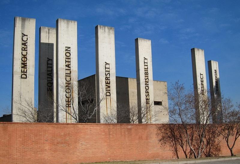 Museu do Apartheid em Joanesburgo visto de fora