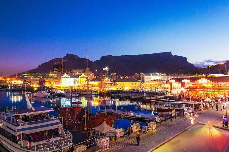 Waterfront Cidade do Cabo - Noite