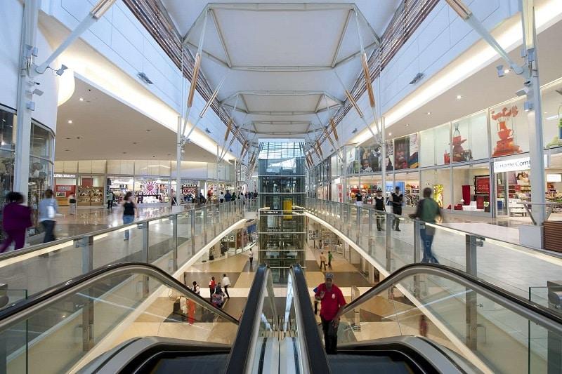 Interior de shopping da África do Sul