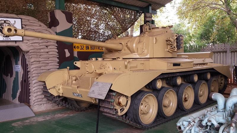 Tanque de guerra no Museu Nacional Militar em Joanesburgo